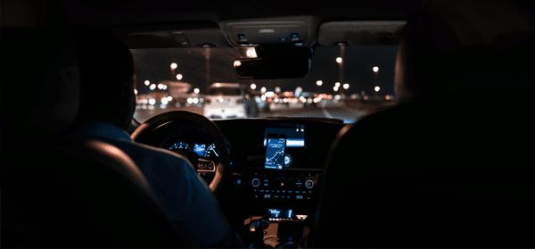 Thuisbreng chauffeur - na borrel terug gereden wordenThuisbreng chauffeur - na borrel terug gereden worden